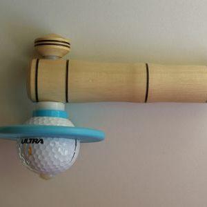 toupie fabriquée avec une balle de golf